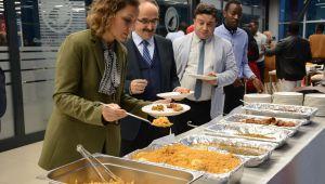 Bu Kez Yemekleri Ruandalı Öğrenciler yaptı