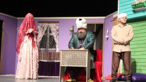 7 Kocalı Hürmüz tiyatro severlerden tam not aldı