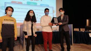 Bilgi yarışmasında Düzce'nin gururu oldular