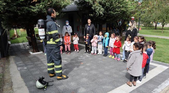 Miniklere yangın eğitimi